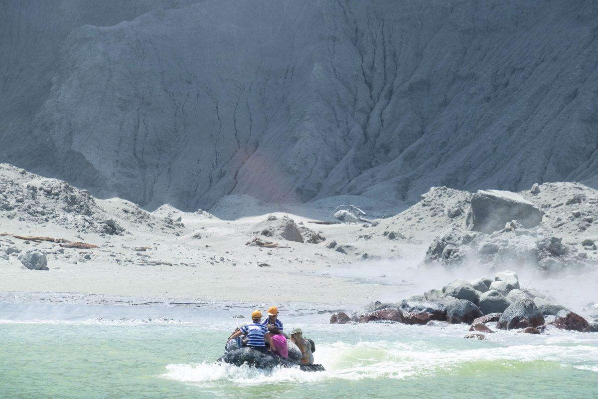 Dos guatemaltecos estarían desaparecidos tras erupción de volcán en Nueva Zelanda