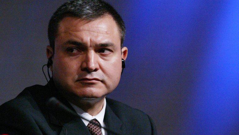García Luna fue acusado ante la justicia estadounidense de tres delitos de conspiración para traficar cocaína por ayudar al cartel de Sinaloa a enviar toneladas de drogas a Estados Unidos. (Foto Prensa Libre: EFE)