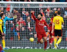 Mohamed Salah  celebra la primera anotación en el triunfo del  Liverpool fremte al Watford en la  Premier League. (Foto Prensa Libre: EFE).