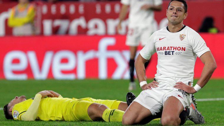 El delantero mexicano del Sevilla Javier 'Chicharito' Hernández, cerca de llegar a la MLS. (Foto Prensa Libre: EFE)