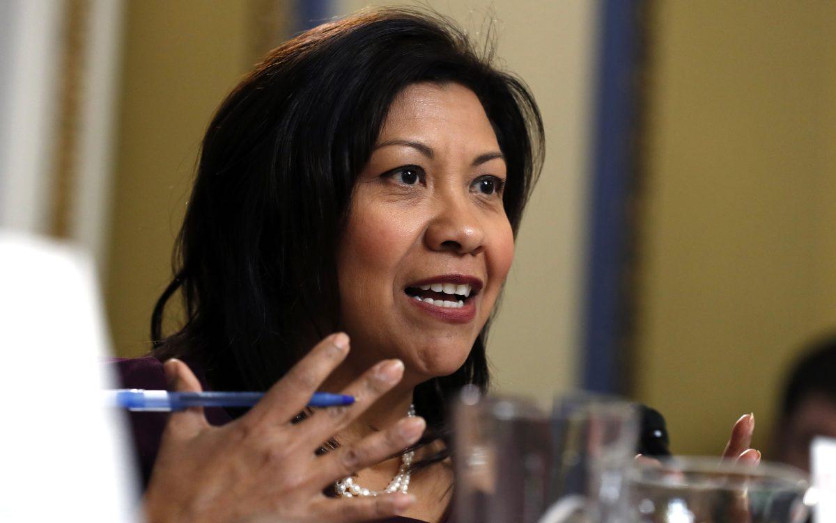 """""""La sociedad civil se mantiene firme"""", dice congresista Norma Torres al mostrar apoyo a ente anticorrupción"""