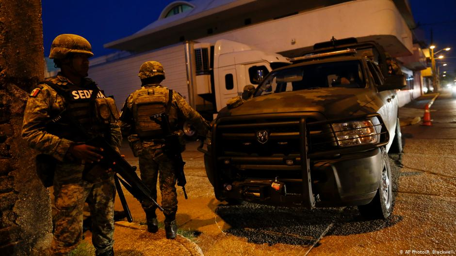 Choque armado deja siete civiles y un policía muertos en México