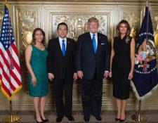 Jimmy Morales y Donald Trump se reunirán este martes 17 de diciembre en la Casa Blanca. La fotografía fue tomada en septiembre de 2017. (Foto Prensa Libre: Hemeroteca)