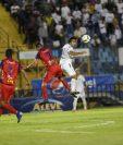 El juego de vuelta de la semifinal será el domingo 22 a las 11, siempre en el estadio nacional. (Foto Prensa Libre: Hemeroteca PL)