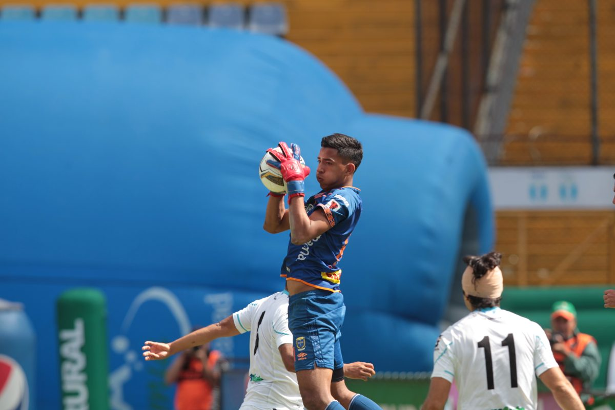 Alessandro Navarro: ¿Quién es el portero rojo de 17 años que jugará la final contra Antigua GFC?