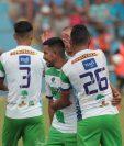 Los jugadores de Antigua celebran el empate conseguido en Sanarate. (Foto Prensa Libre: Carlos Vicente)