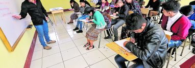 Los maestros que optaron a plazas 011 impartirán clases en escuelas de todo el país. (Foto: Hemeroteca PL)