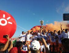Los cebolleros se convirtieron en monarcas de la Primera División en un intenso cierre. (Foto Prena Libre: Luis López)