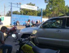 Aduana Tecún Umán II permanece cerrada por protesta de tramitadores. (Foto Prensa Libre: Whitmer Barrera).