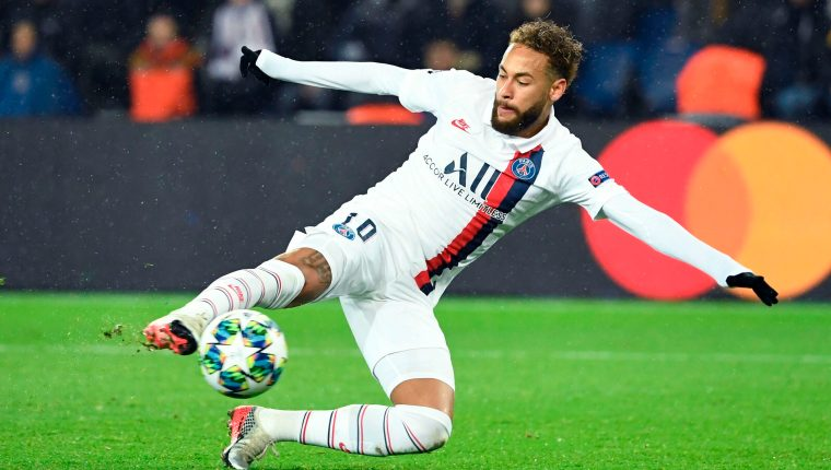 El astro del futbol Neymar reclama al club azulgrana. (Foto Prensa Libre: AFP)
