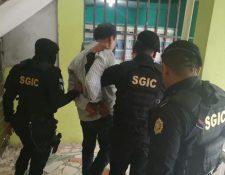 René Gilberto Reynosa Alegría, alcalde de Las Cruces, es detenido por la muerte de un concejal. (Foto Prensa Libre: Mingob).