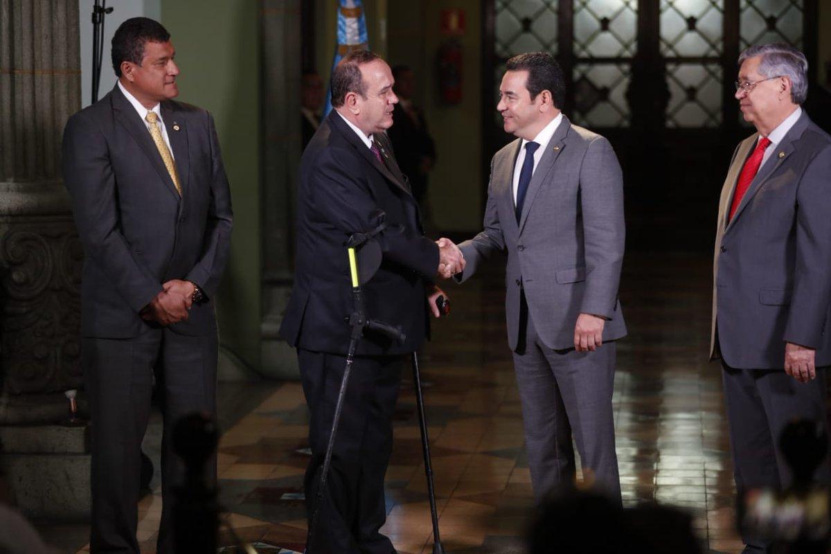 Confianza en la economía repunta a pocos días de salida de Jimmy Morales