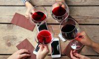 Este nuevo año aprenda de vinos y maridaje con estas aplicaciones. (Foto Prensa  Libre: Servicios).
