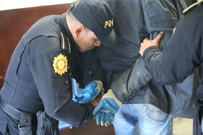 Sicario es capturado cuando escapaba de ataque armado en San Cristóbal