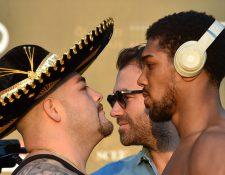 Andy Ruiz (izquierda) había destronado a Anthony Joshua, quien se reivindicó este sábado. (Foto Prensa Libre: AFP)