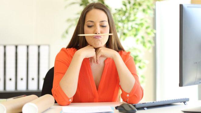 ¿Pierde el tiempo antes de ponerte realmente a trabajar en alguna tarea? Foto Getty Images