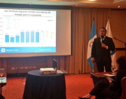 David Casasola, investigador del CIEN afirmó que seguir creciendo basados sólo en inercia no va a resolver los problemas estructurales del país. (Foto Prensa Libre: Cortesía)