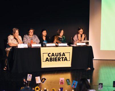 Durante el panel, las expertas hablaron sobre cómo la tragedia ocurrida en 2017 en el Hogar Virgen de la Asunción, ejemplifica el abandono y la insuficiencia con que el Estado atiende -en todos los niveles- las necesidades de las mujeres en Guatemala. (Foto Prensa Libre: Cortesía)