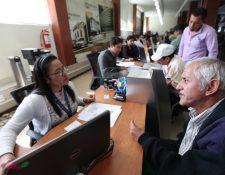 David Dávila Martínez solicitó este 17 de diciembre de 2019 ser contribuyente voluntario en el programa IVS del IGSS. (Foto Prensa Libre: César Pérez)
