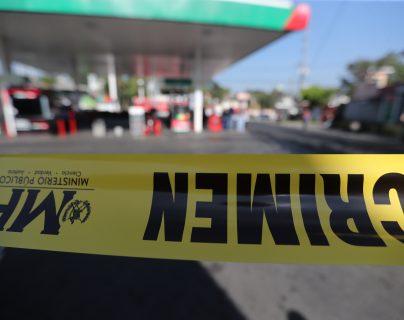 Uno de los dos agentes de la PMT heridos de bala falleció la madrugada de este martes. (Foto Prensa Libre: Érick Avila)