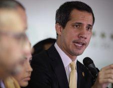 El presidente de la Asamblea Nacional, Juan Guaidó ofreció una conferencia de prensa denunciando que el Gobierno quiere desintegrar el Parlamento mientras el Gobierno de Nicolás de Maduro dice que desarmó un plan terrorista de la oposición. (Foto, Prensa Libre: Efe).