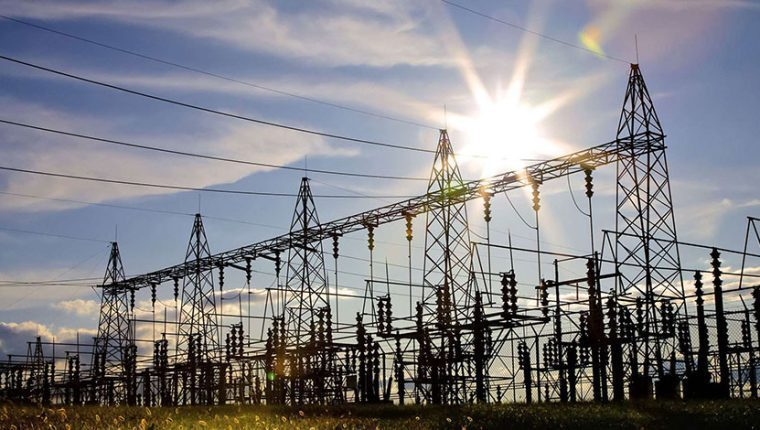 Cómo afecta la pugna legal por los ajustes a las tarifas de energía eléctrica