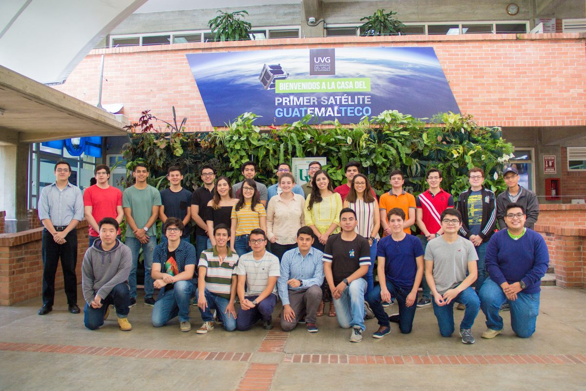 Personaje del Año 2019: Equipo que desarrolla el primer satélite guatemalteco
