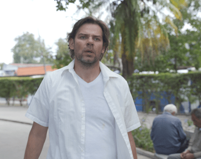Luigi Lanuza presenta su nuevo cortometraje Arenas del Tiempo