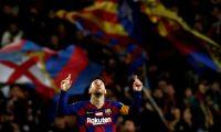 GRAF5271. BARCELONA, 07/12/2019.- El delantero del FC Barcelona Leo Messi celebra tras marcar el quinto gol ante el RCD Mallorca, durante el partido de Liga en Primera División disputado este sábado en el Camp Nou, en Barcelona. EFE/Toni Albir