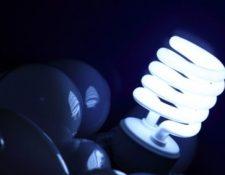 Nueva controversia surge respecto a regulaciones por el cobro por distribución de energía y su impacto en las tarifas. (Foto, Prensa Libre: Hemeroteca PL).