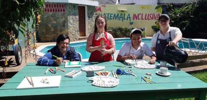 Los fondos recaudados en el #GuatemalaGives serán invertidos proyectos que contribuyen con la salud y educación de la niñez del país. (Foto Prensa Libre: Cortesía)