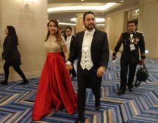El presidente Jimmy Morales y su esposa, Patricia de Morales, participan en la entronización de del príncipe Naruhito como nuevo emperador de Japón. (Foto Prensa Libre: Gobierno de Guatemala)