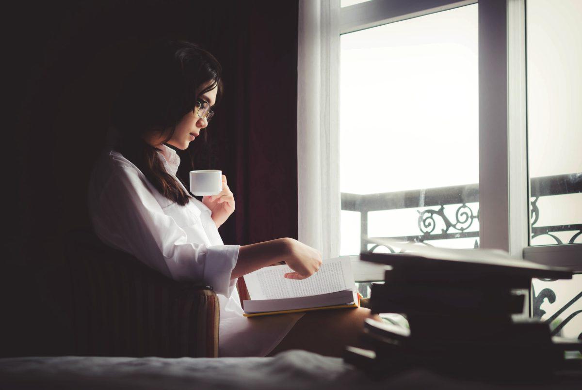 ¿Su propósito de año nuevo es leer más? Le compartimos recomendaciones de libros de distintos géneros