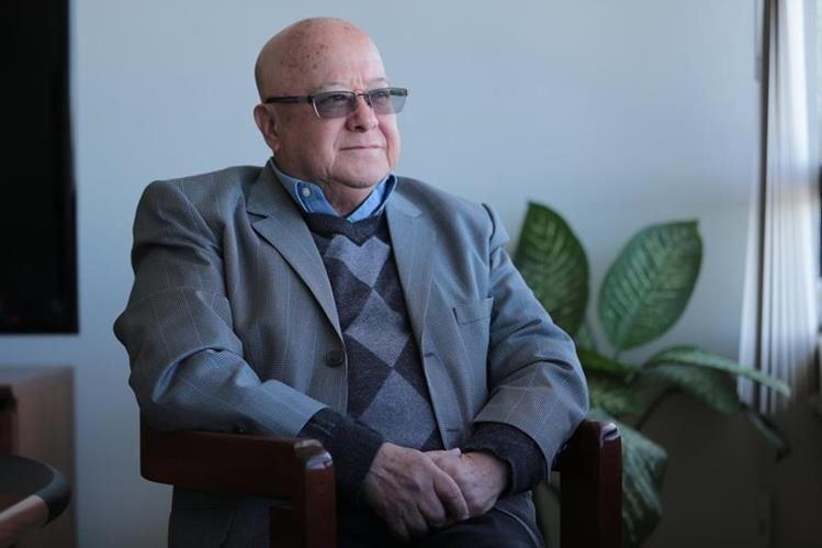 """Suspensión de Bancredit: """"La población guatemalteca puede estar tranquila"""", afirma Lizardo Sosa"""