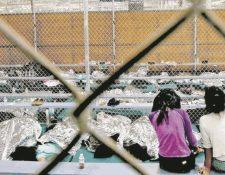 Niños y adolescentes migrantes permanecen detenidos sin compañía de sus padres. (Foto Prensa Libre: Hemeroteca PL)