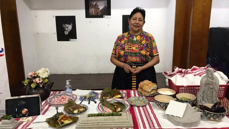 Reyna Lidia Nimatuj Racancoj, ganó el primer lugar en el concurso de tamales realizado en Casa No´j. (Foto Prensa Libre: cortesía)