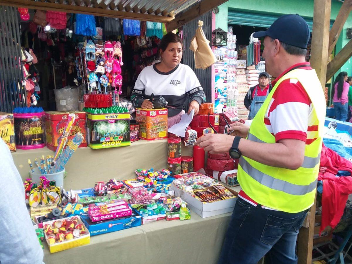 Comerciantes de pirotecnia ignoran al Concejo