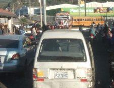 Manifestación en el kilómetro 39 de la ruta al Pacífico. (Foto Prensa Libre: Tomada de @ReportandoEC).