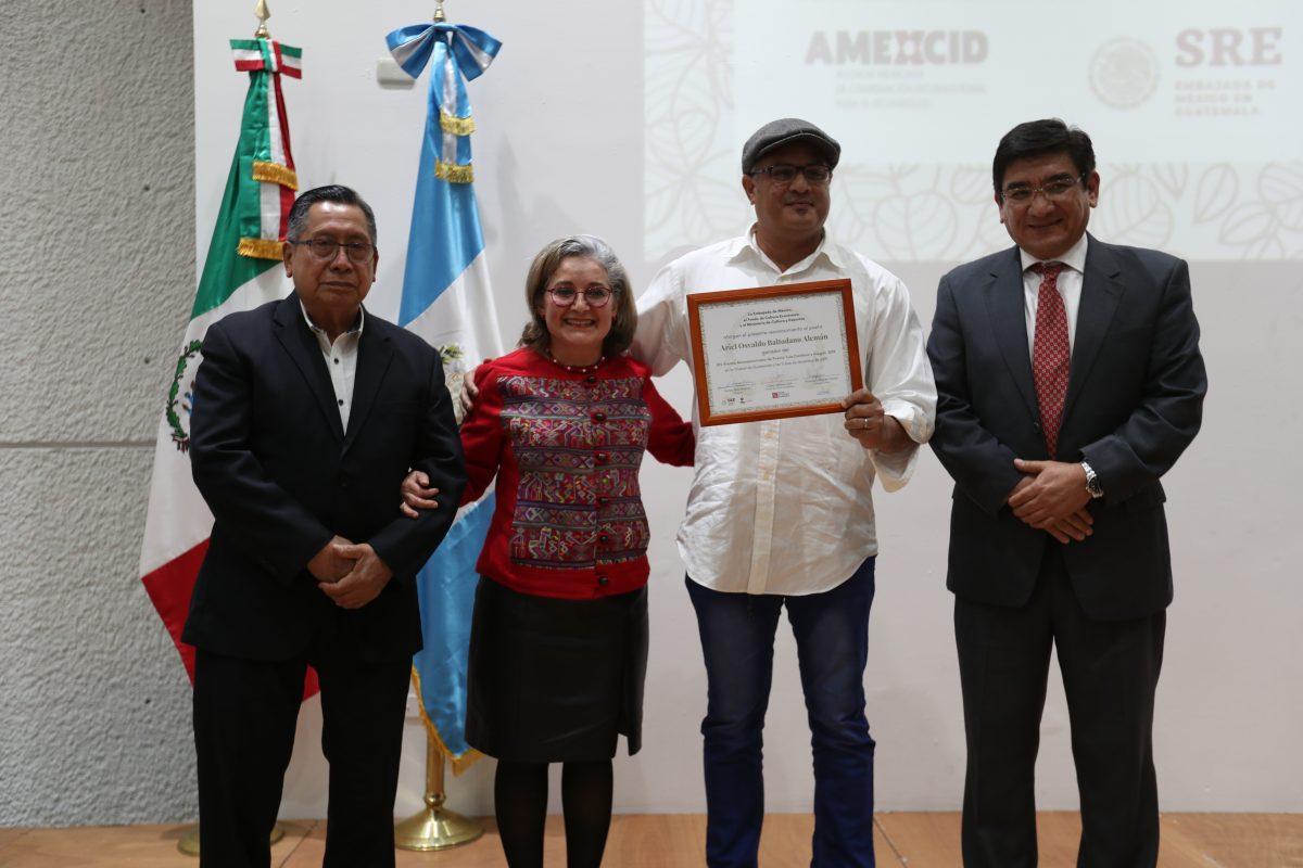 El nicaragüense Ariel Baltodano recibe el Premio Mesoamericano de Poesía