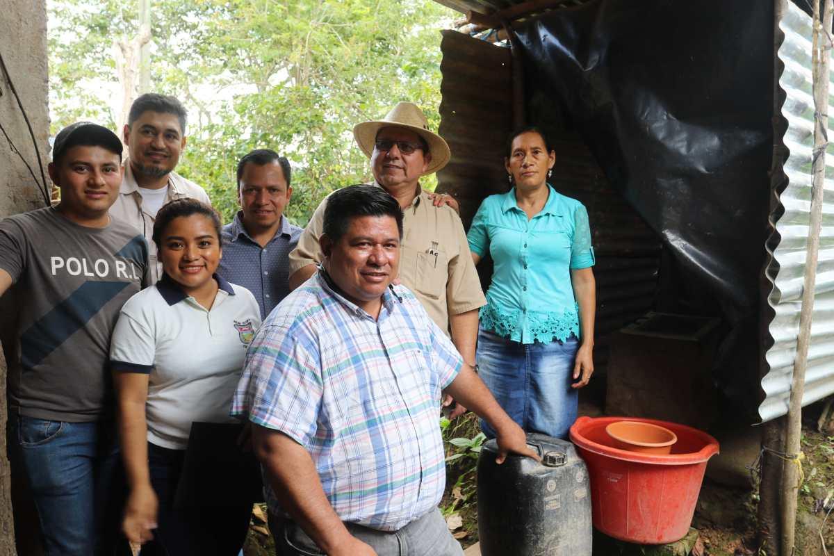 Promueven uso de letrinas en comunidades Chortí para evitar enfermedades y desnutrición