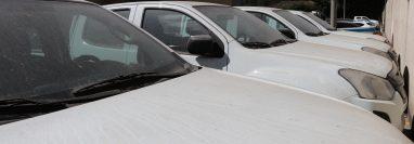 Cuatro vehículos de la comuna antigüeña permanecen estacionados desde julio último. (Foto Prensa Libre: Julio Sicán)
