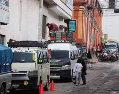 Terminal de microbuses, ubicada en el centro de Santa Cruz del Quiché. (Foto Prensa Libre: Héctor Cordero)