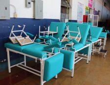 Entre el mobiliario y equipo que Salud compró hay un lote de camillas para el área de maternidad. (Foto Prensa Libre: Marvin Tunchez)