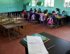 En escuelas primarias cada día 86 niños abandonan la escuela a nivel departamental, afirman autoridades educativas. (Foto Prensa Libre: Mike Castillo)
