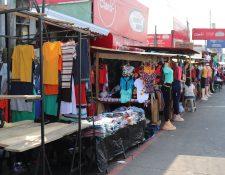 La Municipalidad de Mazatenango autorizó más  300 ventas de juegos pirotécnios en esa ciudad. (Foto Prensa Libre: Marvin Tunchez)
