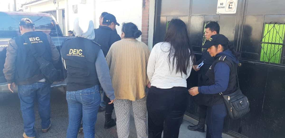 Capturan a esposa e hija del alcalde de San Miguel Petapa