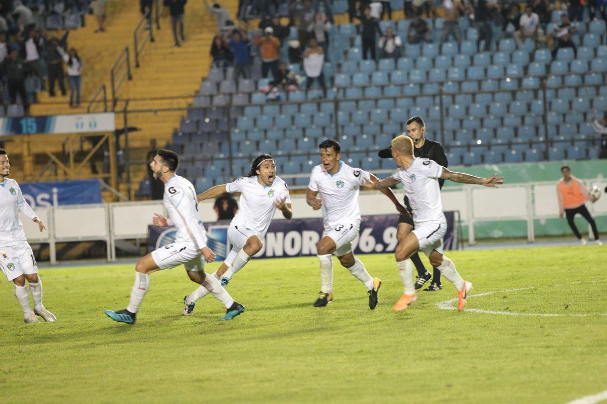 Cremas le ganan a Guastatoya y se enfrentarán a Municipal en las semifinales