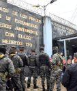 La riña ocurre horas después de una balacera que dejó varios muertos. (Foto Prensa Libre: EFE)