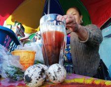 En las ventas de jugos es común encontrar huevos de parlama. (Foto Prensa Libre César Pérez)