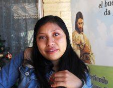 Victoria Bol Cohuoj, migrante guatemalteca, cuenta su experiencia, vive en una iglesia en Estados Unidos. (Foto, Prensa Libre: Efe).